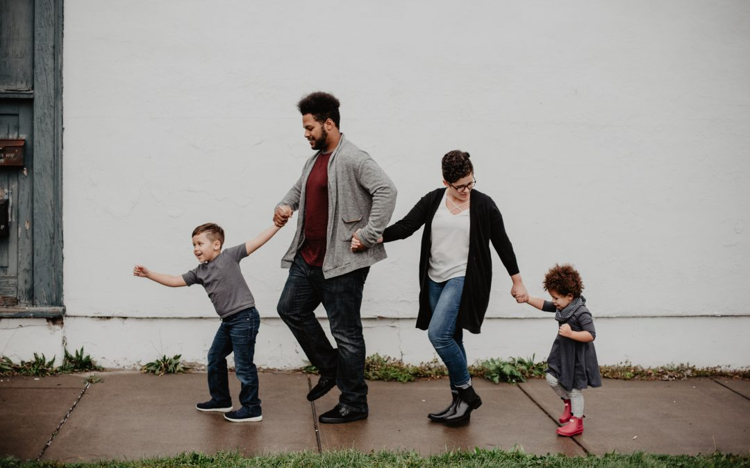 3 easy hacks to make you a family bonding superstar.
